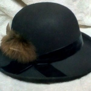 Vintage Italy Ladies Nordstrom 100% Wool Hat